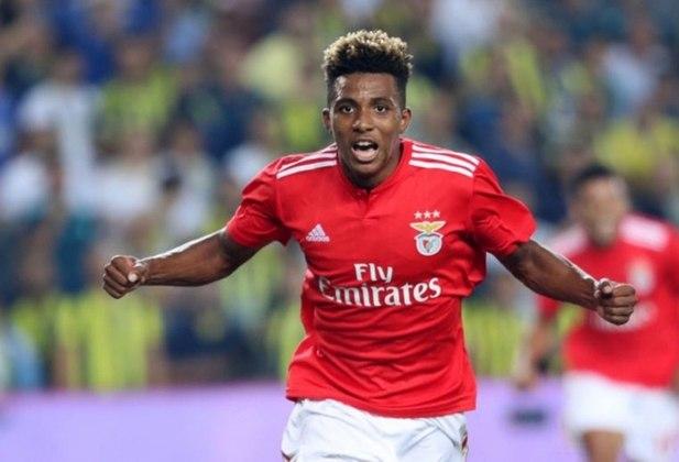 ESQUENTOU - O Galatasaray deseja contratar o meia Gedson Fernandes por empréstimo junto ao Benfica até o final da atual temporaa, conforme o Mail Sport.