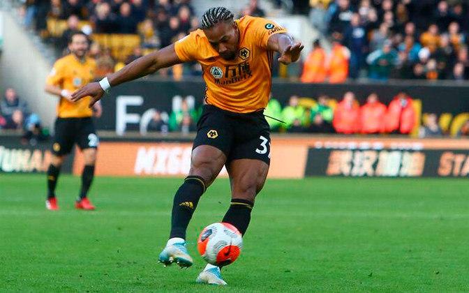 """ESQUENTOU – O jornal """"The Sun"""", da Inglaterra, apontou um interesse do Leeds United em Adama Traoré, do Wolverhampton. O espanhol tem 24 anos e contrato com o Wolves até 2023"""