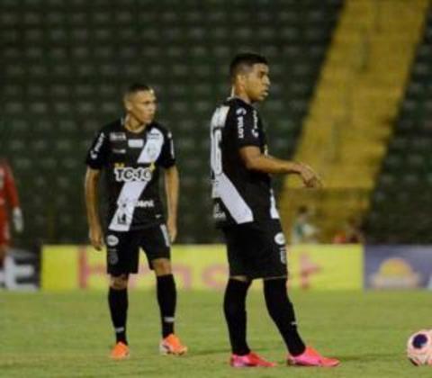 ESQUENTOU - O lateral-esquerdo da Ponte Preta, Yuri Silva, revelou que as conversas para renovação de contrato com a Macaca estão avançadas.