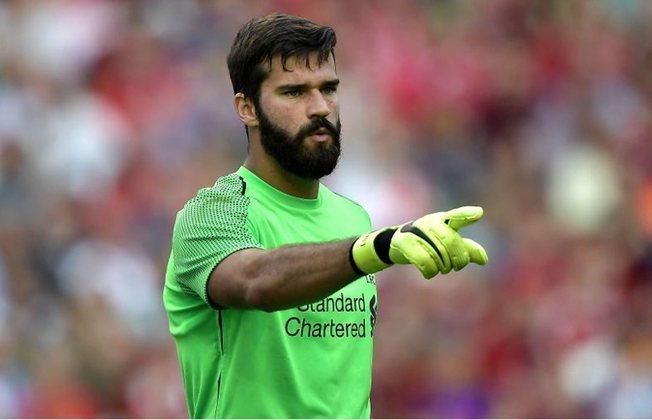 ESQUENTOU - O Liverpool busca renovar os contratos de Alisson e Fabinho, segundo o