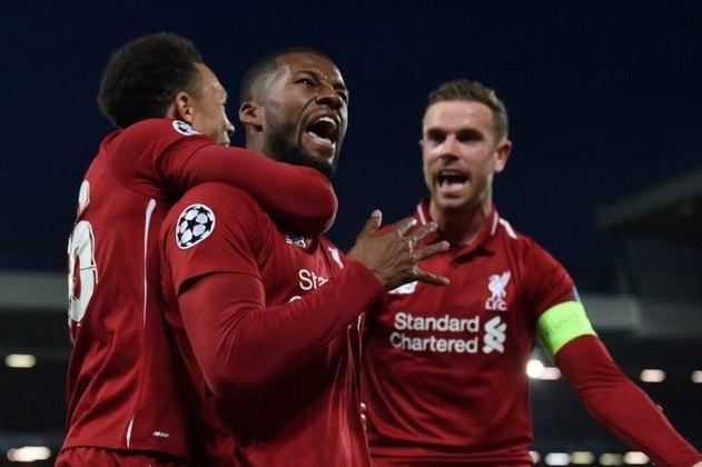 """ESQUENTOU - O Liverpool quer manter Wijnaldum no clube e oferece uma renovação por três temporadas com um aumento salarial, segundo o """"Calciomercato"""". Os Reds estão dispostos a oferecer um salário de cerca de 6 milhões de euros (R$ 38 milhões) por ano e afastar o interesse de diversos clubes europeus."""