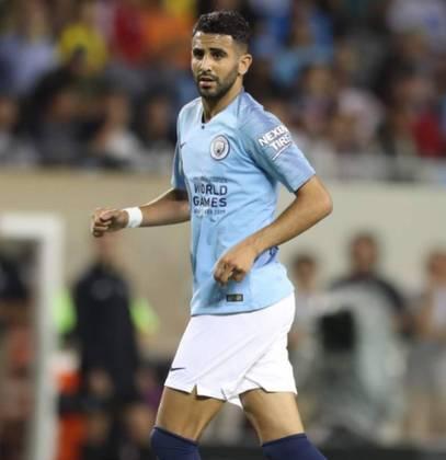 ESQUENTOU - O Manchester City deseja estender o contrato de Mahrez com o clube por conta da ótima temporada que o argelino vem fazendo pelo clube. Segundo Fabrizio Romano, as negociações ainda não começaram e o vínculo atual termina em 2023.