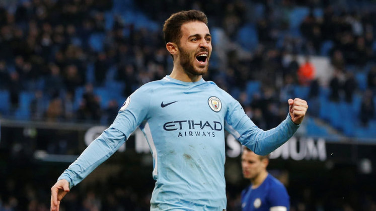 ESQUENTOU - O Manchester City está passando por uma pequena reformulação. Gabriel Jesus e Bernardo Silva estão cada vez mais perto de mudarem de clube. Por outro lado, Mahrez e Sterling seguem buscando um novo time, mas dificilmente deixarão o clube.