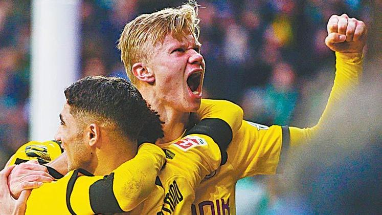 ESQUENTOU - O Manchester City se adiantou em relação aos rivais na busca pela contratação de Haaland na próxima temporada. Segundo o