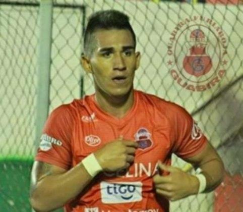 ESQUENTOU - O mercado da bola segue com suas especulações onde, em uma delas, o jovem atacante boliviano Kevin Ríos, do semiprofissional FATIC, pode rumar ao Panamá para defender o Atlético Chiriquí.