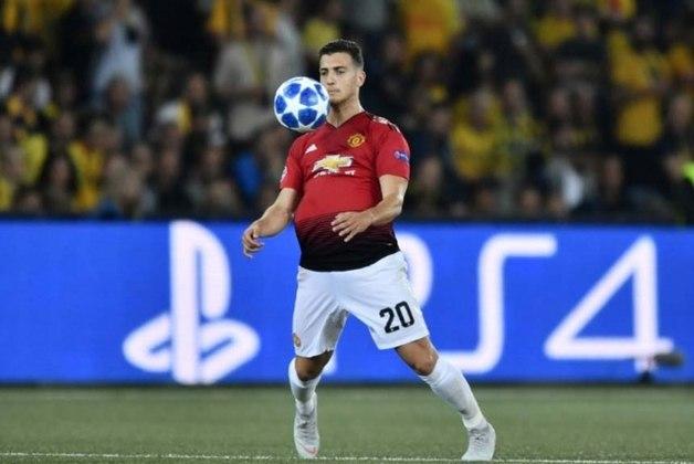 ESQUENTOU - O Milan abrirá negociações para a permanência do lateral direito português Digo Dalot, que está emprestado pelo Manchester United. A informação é do site italiano