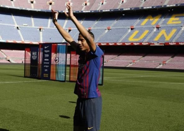 ESQUENTOU - O Nice tem negociações avançadas com o Barcelona para contratar Jean Todibo, de acordo com o Di Marzio.