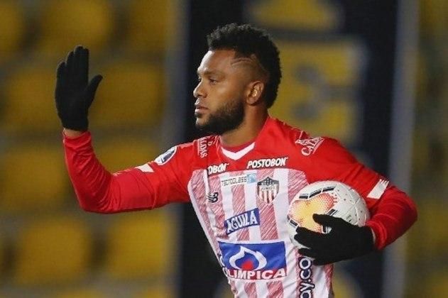 ESQUENTOU - O Palmeiras negocia a venda definitiva do atacante Miguel Borja ao Junior Barranquilla. O jogador já atua pelo clube colombiano desde 2020 e o atual vínculo por empréstimo vai até o fim de junho de 2021. A informação foi inicialmente publicada pela