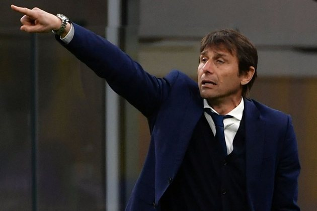 ESQUENTOU - O técnico Antonio Conte entrou no radar do Arsenal e pode substituir Mikel Arteta, segundo o