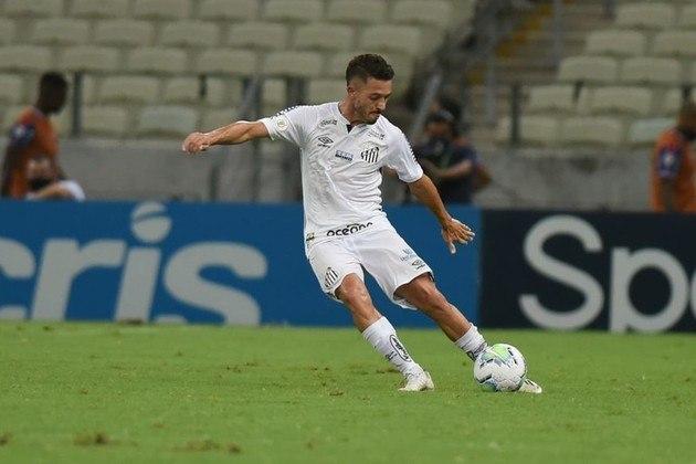 ESQUENTOU - O técnico Fernando Diniz minimizou a investida do Alanyaspor, da Turquia, pelo meia Jean Mota. Segundo o treinador, esses interesses são