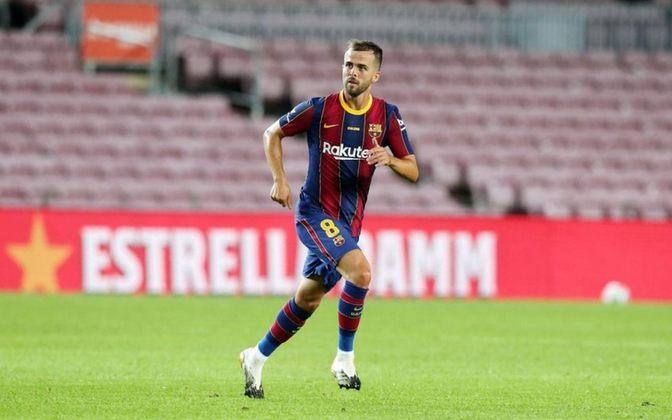 ESQUENTOU - O Tottenham está interessado na contratação do meia Pjnanic, do Barcelona, segundo o