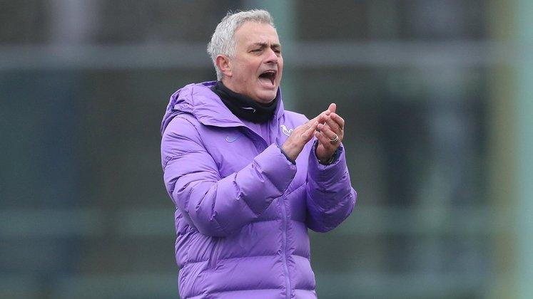 ESQUENTOU - O Tottenham está mesmo disposto a fazer uma limpa no seu elenco e Mourinho não conta em seus planos com Dele Alli, Davison Sanchez, Harry Winks e Erik Lamela, segundo o EuroSport.