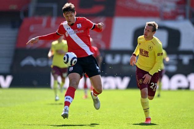 ESQUENTOU - O Tottenham mira a contratação do zagueiro Vestergaard, do Southampton, para a próxima temporada, segundo o