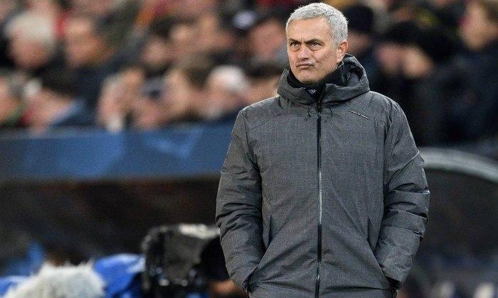 ESQUENTOU - O Tottenham pode substituir José Mourinho por Maurizio Sarri no comando da equipe para a próxima temporada, segundo a