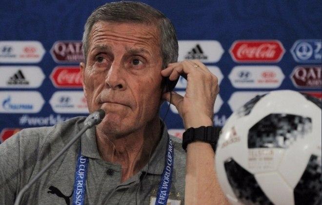 ESQUENTOU - Óscar Tabárez, treinador da seleção do Uruguai, em uma entrevista a uma rádio argentina, disse escutar vários jogadores falando sobre o desejo de atuar no Boca Juniors. Recentemente, Cavani foi especulado na equipe argentina, mas acabou renovando com o Manchester United.