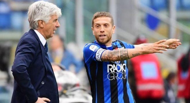 ESQUENTOU - Papu Gómez não foi relacionado novamente para uma partida da Atalanta e segundo o jornalista Francesco Porzio, o meia argentino não está mais nos planos do técnico podendo deixar o clube italiano em janeiro.