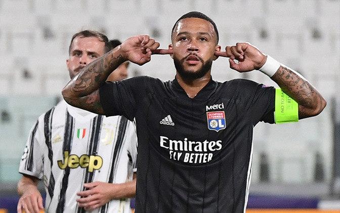ESQUENTOU - Principal nome do Lyon, o atacante Memphis Depay tem o seu futuro indefinido. Em reta final de contrato com o clube francês, o holandês não deverá ter o vínculo renovado e já começa a receber propostas para a próxima temporada. E o mais novo interessado no atleta é o Liverpool.