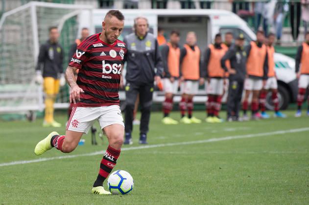 ESQUENTOU - Rafinha, ex-Flamengo e atualmente no Olympiakos, pode estar retornando à Alemanha. Nesta sexta-feira, o jornal alemão