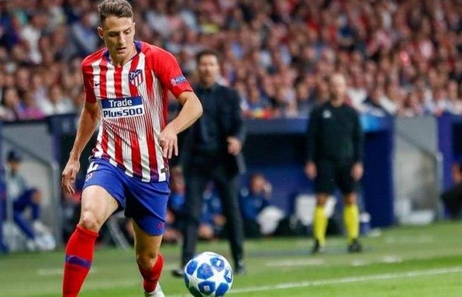 ESQUENTOU - Santiago Arias, lateral que está cedido pelo Atlético de Madrid ao Bayer Leverkusen, atrai interesse de grandes clubes da Europa. De acordo com a revista