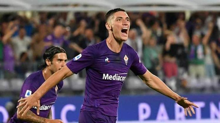 ESQUENTOU - Se destacando na Fiorentina, Nikola Milenkovic, de 24 anos, é alvo de clubes da Inglaterra. De acordo com o