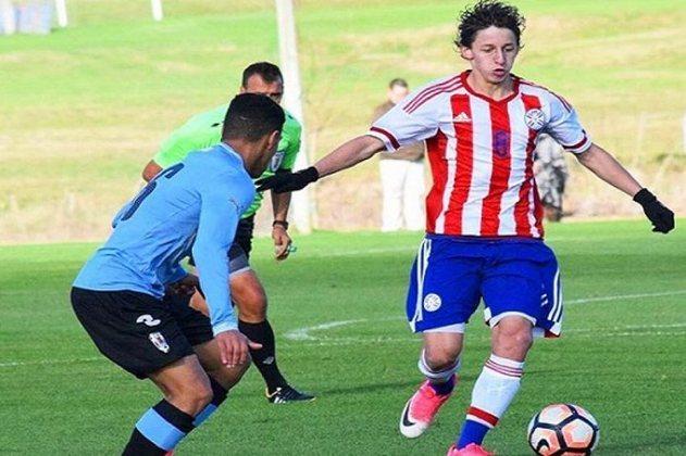 ESQUENTOU - Segundo o 'Blog do Garone', o Vasco está perto de contratar o meia Matias Galarza, do Olímpia.  A informação foi confirmada junto ao gerente de futebol de base do clube, Carlos Brazil.