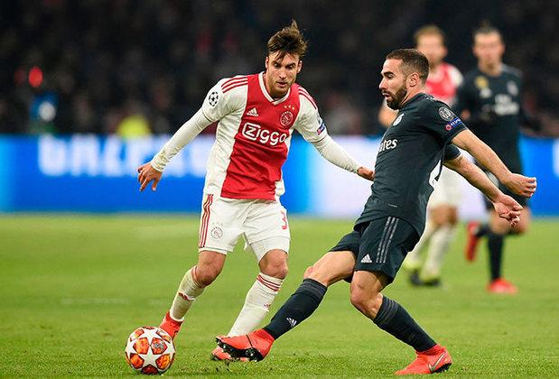 ESQUENTOU - Segundo o Daily Mail, alguns clubes da Premier League já demonstraram interesse pelo lateral do Ajax, Tagliafico, e o clube holandês definiu a multa de 13 milhões de euros para tirar o argentino da equipe.