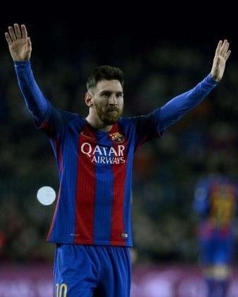 ESQUENTOU - Segundo o jornalista Marcelo Bechler, da TNT Sports, o Paris Saint-Germain está pronto para oferecer uma forte proposta para tirar Lionel Messi do Barcelona. A equipe francesa acredita que o seu projeto esportivo se alinha com a proposta salarial, e deve conseguir a contratação do craque argentino.