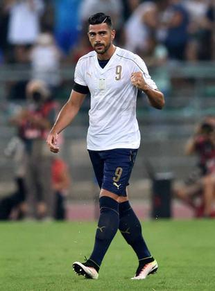 ESQUENTOU - Sem clube, o atacante Graziano Pelle atraiu o interesse do West Ham e da Juventus para uma possível contratação de imediato, segundo o HITC.