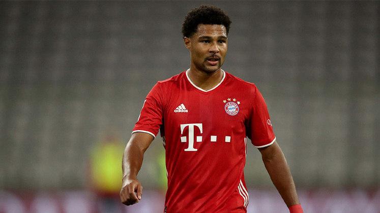 ESQUENTOU - Serge Gnabry está próximo de acertar uma renovação contratual com o Bayern de Munique, segundo a