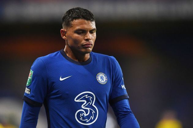 ESQUENTOU - Thiago Silva está discutindo com o Chelsea de prorrogar o seu contrato por mais um ano com os Blues. As duas partes não tem pressa em concluir o negócio, segundo Fabrizio Romano.