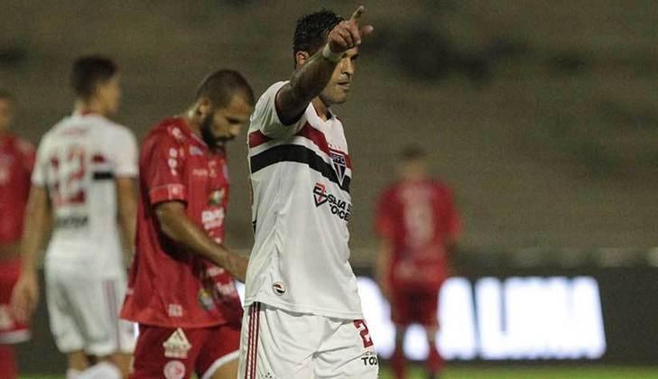 Essas lesões o tiraram de dez partidas do Tricolor na temporada. Hoje, é titular da equipe ganhando a vaga de Pablo.