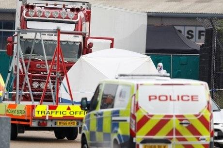 Corpos foram encontrados em caminhão frigorífico