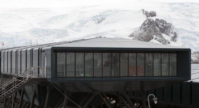 Nova base brasileira na Antártida é maior e mais moderna do que anterior