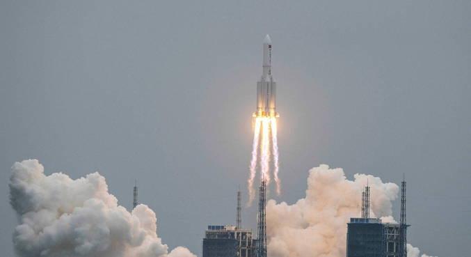 China lança primeiro módulo de sua estação espacial