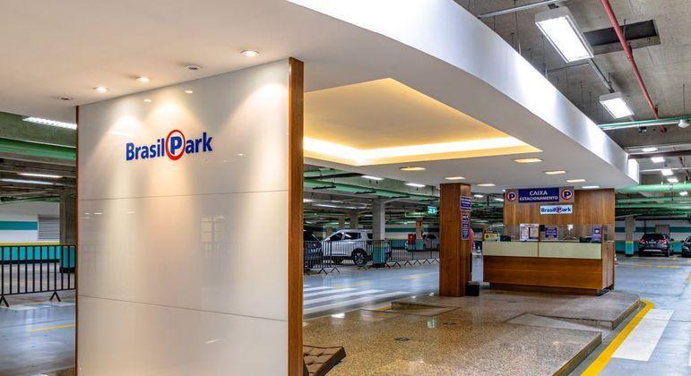 Fuga de clientes: a rede BrasilPark registrou queda média no  faturamento de 51%