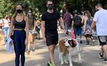 SP - MOVIMENTO/PARQUE/IBIRAPUERA - GERAL - Movimentação intensa de visitantes no Parque do Ibirapuera, na zona sul da cidade de São Paulo, em tarde de sol e calor neste domingo, 2 de maio de 2021. 02/05/2021 - Foto: LECO VIANA/THENEWS2/ESTADÃO CONTEÚDO