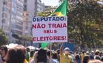 Em Curitiba (PR), manifestantes também pediram eleições com voto impresso para 2022