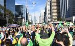 Apoiadores do presidente Jair Bolsonaro(sem partido) fazem manifestações neste domingo (1), emvários locais do Brasil, pedindo a volta do voto impresso. Nos atos, os manifestantes também atacaram ministros do STF, a imprensa e disseram que houve fraudes nas eleições.Na Avenida Paulista, centro da capital paulista, a concentração começou por volta das 12h30