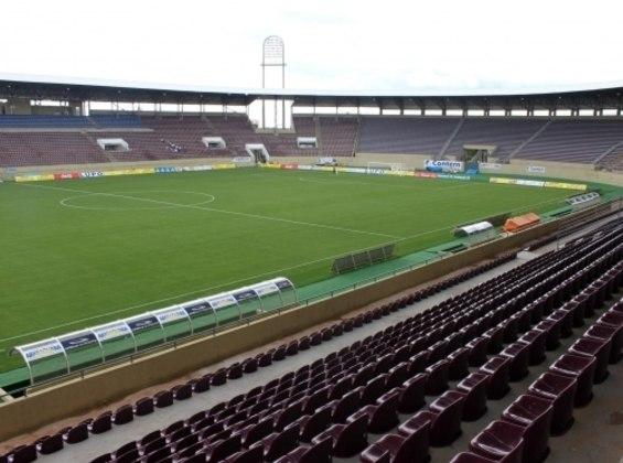 Estádio da Ferroviária como mandante: Arena da Fonte.