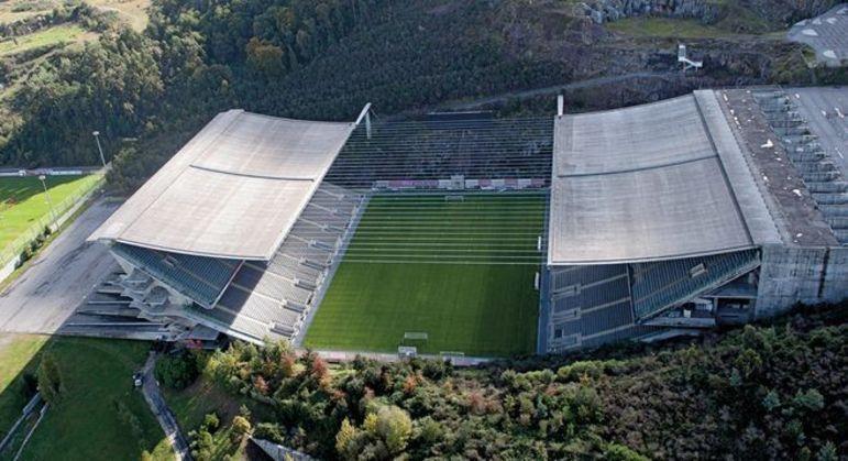O fantástico Estádio da Pedreira em Braga, Portugal