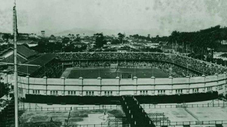 Estádio de Laranjeiras (RJ): foi a primeira vez que o Brasil sediou o antigo Campeonato Sul-Americano, atual Copa América. O Estádio de Laranjeiras, do Fluminense, foi construído justamente para abrigar a terceira edição do Sul-Americano de 1919. Foram quatro seleções, sete seleções e um enorme público em todos os jogos. O Brasil sagrou-se campeão ao bater o Uruguai por 1 a 0, com gol de Friedenreich, na prorrogação.