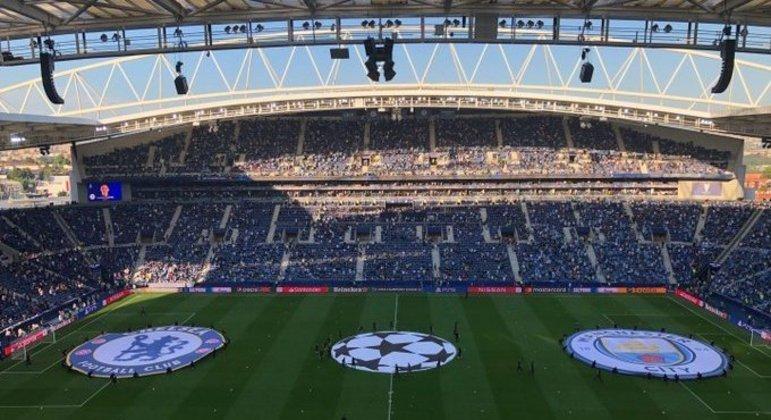 O Estádio do Dragão, pouco antes da partida