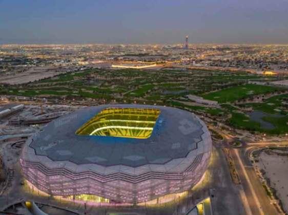 Estádio Education City: Com as obras já finalizadas, o estádio traz um design que marca a nova era da região em que foi construído, com um formato de diamante nas laterais. Receberá jogos até as quartas de final da Copa com capacidade para 40 mil torcedores, sendo reduzida para 20 mil após a realização do torneio