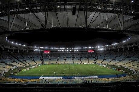 Pandemia deve causar prejuízo de até R$ 20 bilhões no futebol europeu