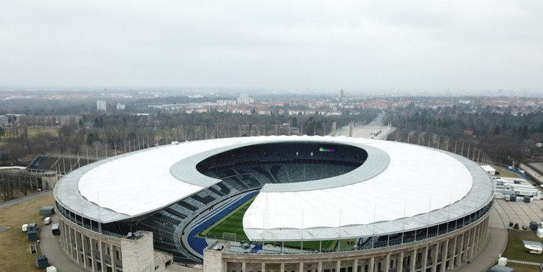 Estádio Hertha BSC: Hertha Berlim - Capacidade: 55.000- Previsão de entrega: 2025 - Atualmente o clube atua no Estádio olímpico de Berlim.
