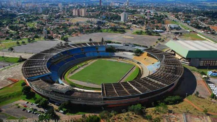 Estádio Serra Dourada (GO): um jogo da Copa América de 1983 aconteceu em Goiânia. Goleada brasileira contra o Equador por 5 a 0. O Serra Dourada foi também a sede do Grupo B da Copa América de 1989. Dez partidas foram disputadas no Serra Dourada.