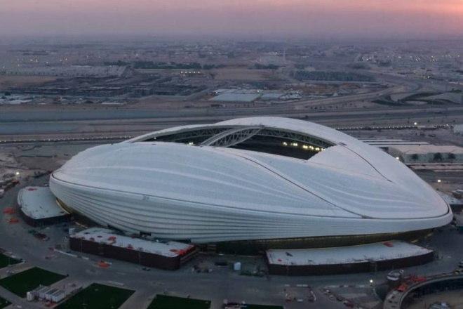 O Estádio Al Wakrah, no Qatar, será utilizado na Copa do Mundo de 2022. O projeto foi pensado em homenagem a velas de um tradicional barco utilizado por pescadores da região