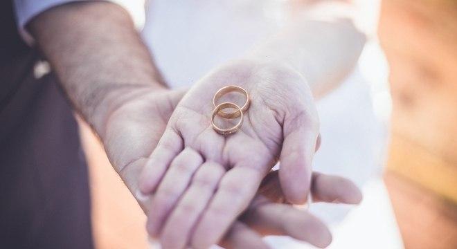 Estado civil dos candidatos nas eleições 2020 revela maioria de casados, diz TSE