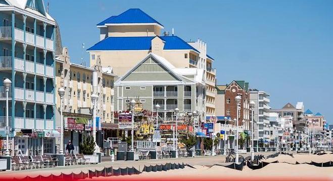 Na Flórida, nos Estados Unidos, parques e praias foram reabertos