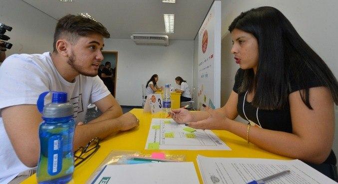 Feira de carreiras do IEL direcionada a estudantes de Goiânia (GO) antes da pandemia